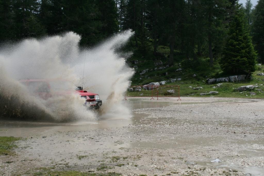 Alpine terrain proves waterproofness of hardtop for Mitsubishi L 200